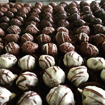 Picture of Sweet Vanilla Truffles (Bag of 12)